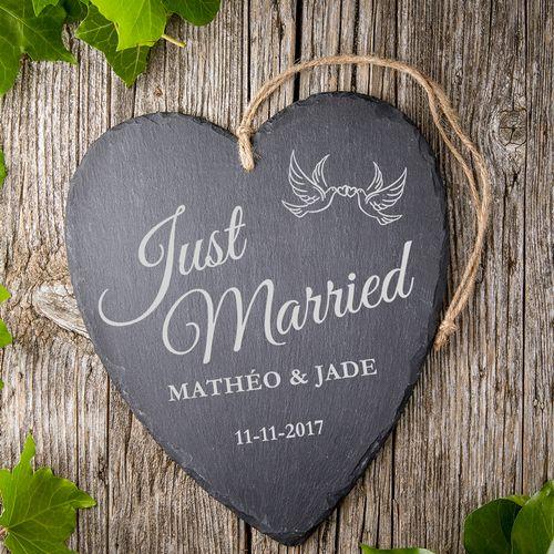 Cœur en ardoise avec gravure – Just married – Colombes