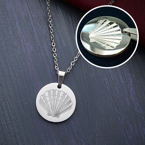 Runder Kettenanhänger Silber Muschel mit Initiale