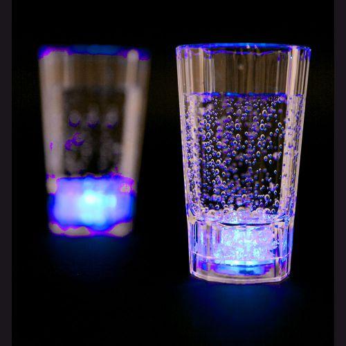 Blinkende Schnapsgläser - Trinkspiel