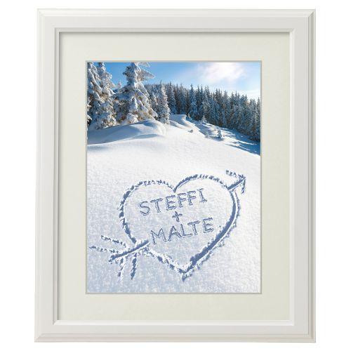 Herz im Schnee gerahmtes Bild Weiß