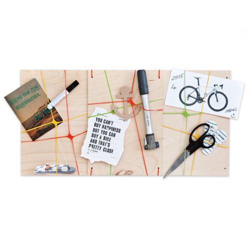 pinnwand aus holz do it yourself kit zum selbstgestalten. Black Bedroom Furniture Sets. Home Design Ideas