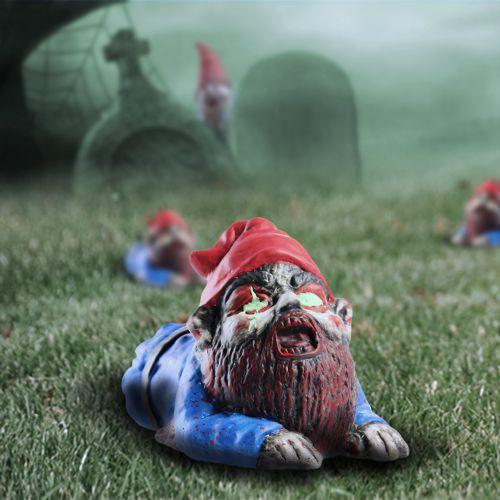 Zombie Gartenzwerg kriechend