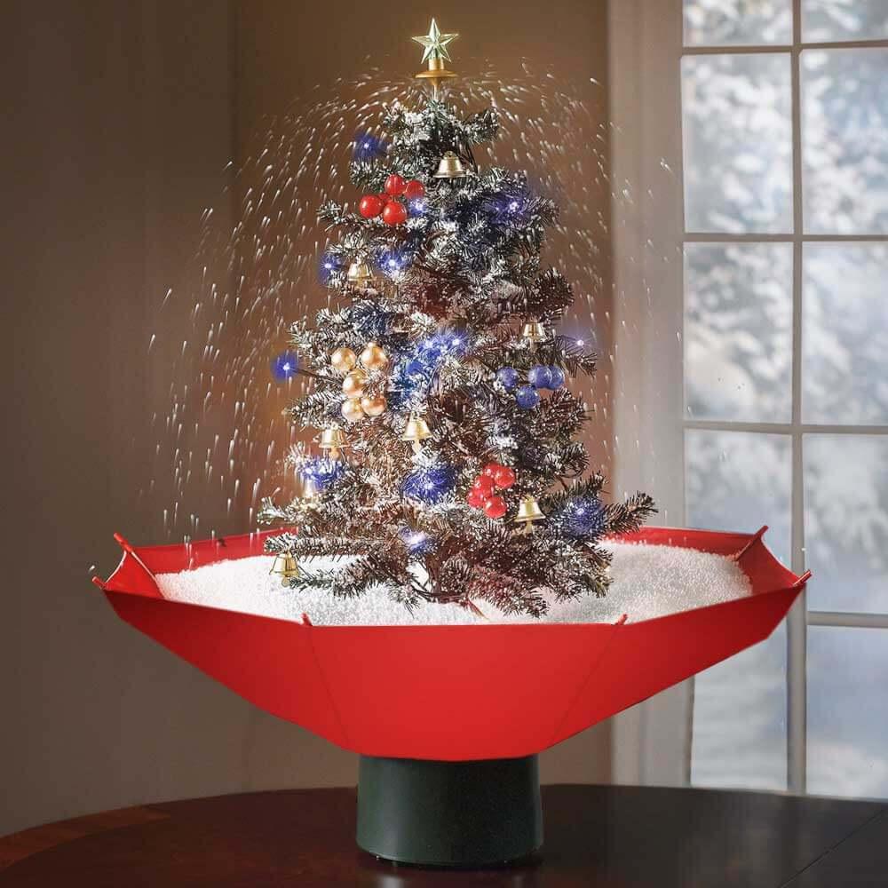 Schneiender Weihnachtsbaum.Festlicher Schneiender Weihnachtsbaum Mit Weihnachtsliedern