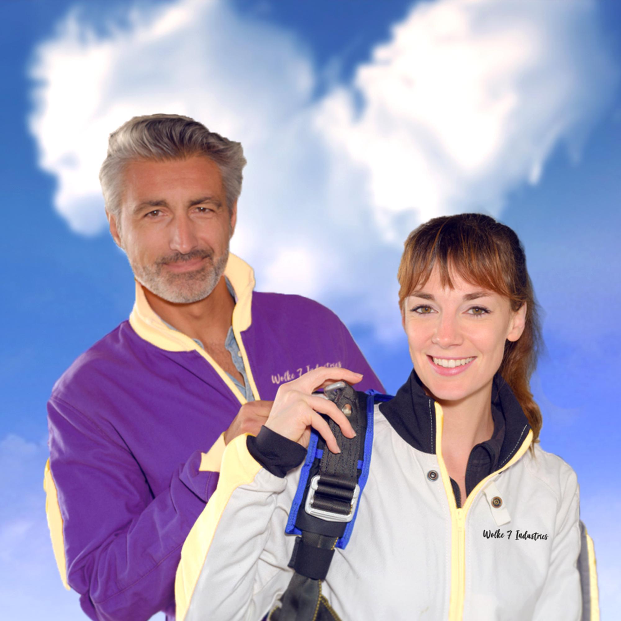 Romantischer Fallschirmsprung durch Wolke 7 - 3