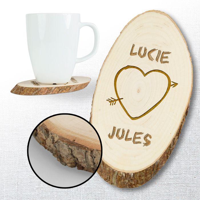 Dessous de plat en bois avec gravure – cœur
