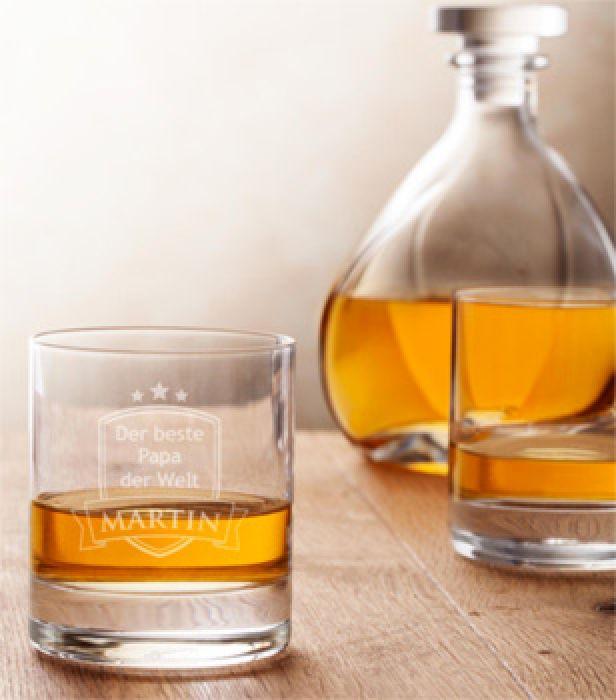 whiskyglas mit gravur bester papa f r v ter zu ehren. Black Bedroom Furniture Sets. Home Design Ideas