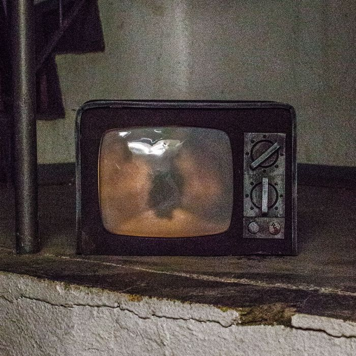 Gruselfernseher - Halloween Deko mit Licht und Sound