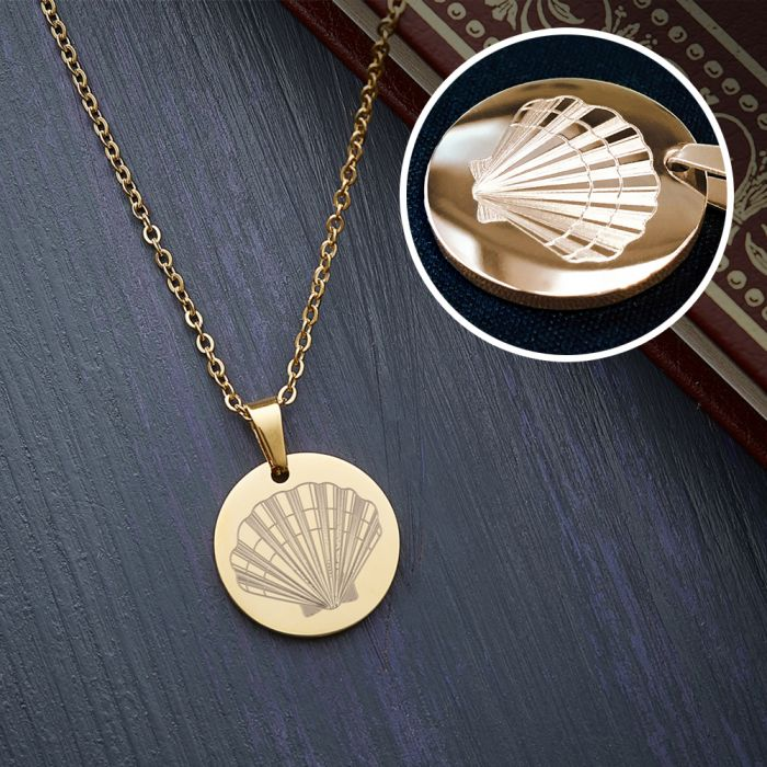 Runder Kettenanhänger Gold - Muschel mit Initiale