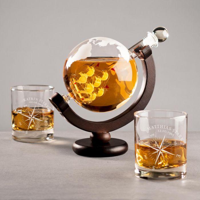 - Set mit Globus Karaffe und 2 Whiskyglsern Kompass Gravur - Onlineshop Monsterzeug