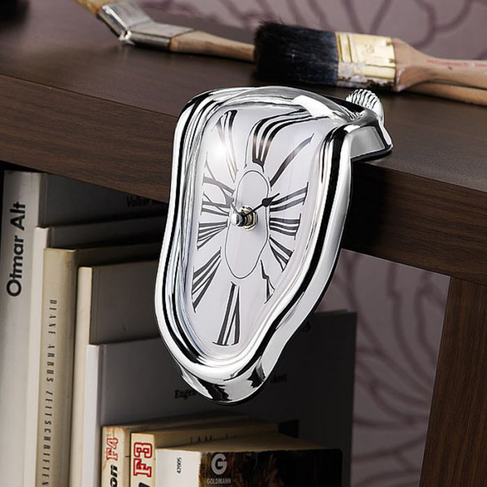 Horloge design flux temporel for Idee cadeau decoration interieure