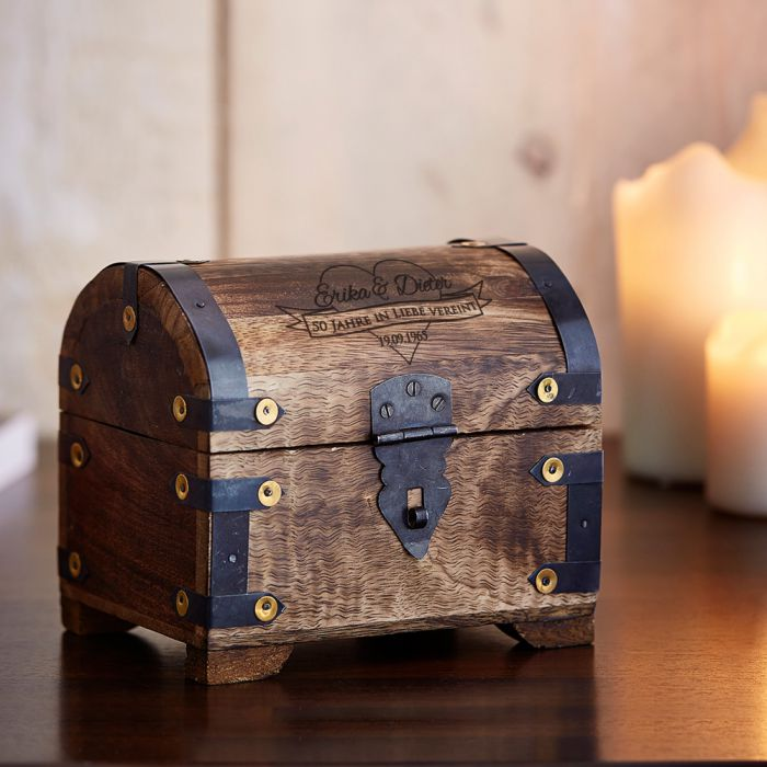 geld schatztruhe zur goldenen hochzeit dunkel mit deinen. Black Bedroom Furniture Sets. Home Design Ideas