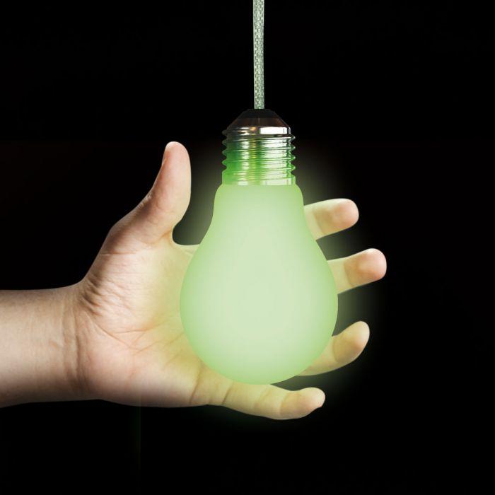Glühbirne ohne Strom selbstaufladend - für dezent grünes Licht