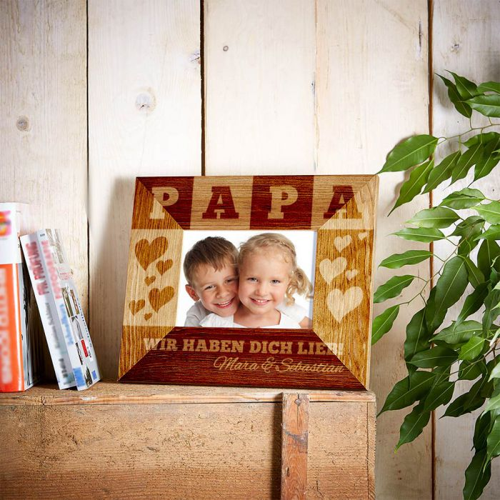 personalisierter bilderrahmen f r papa mit wunschnamen der kinder. Black Bedroom Furniture Sets. Home Design Ideas
