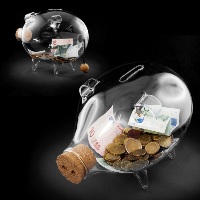 sparschwein aus glas geld in transparenter spardose sichtbar. Black Bedroom Furniture Sets. Home Design Ideas