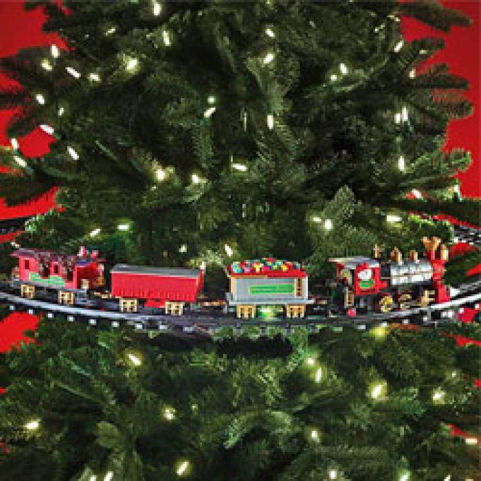 Weihnachtszug für den Tannenbaum