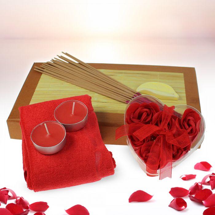 set bien tre avec p tales de roses. Black Bedroom Furniture Sets. Home Design Ideas