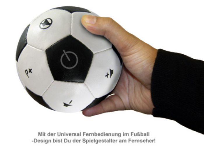 Universal Fernbedienung im Fußball-Design