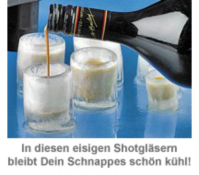 Schnapsgläser aus Eis