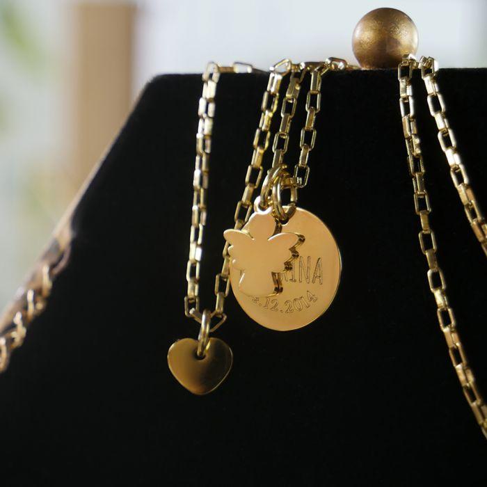 Runder Kettenanhänger Gold mit Charms - Name