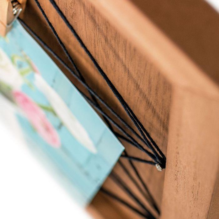 Holz Memoboard mit Fäden