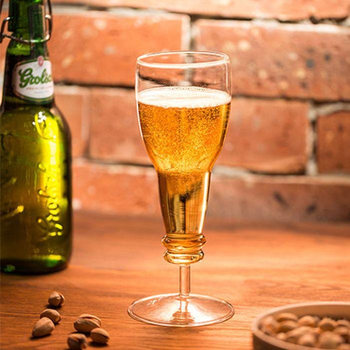 Sektglas in Bierflaschen Form