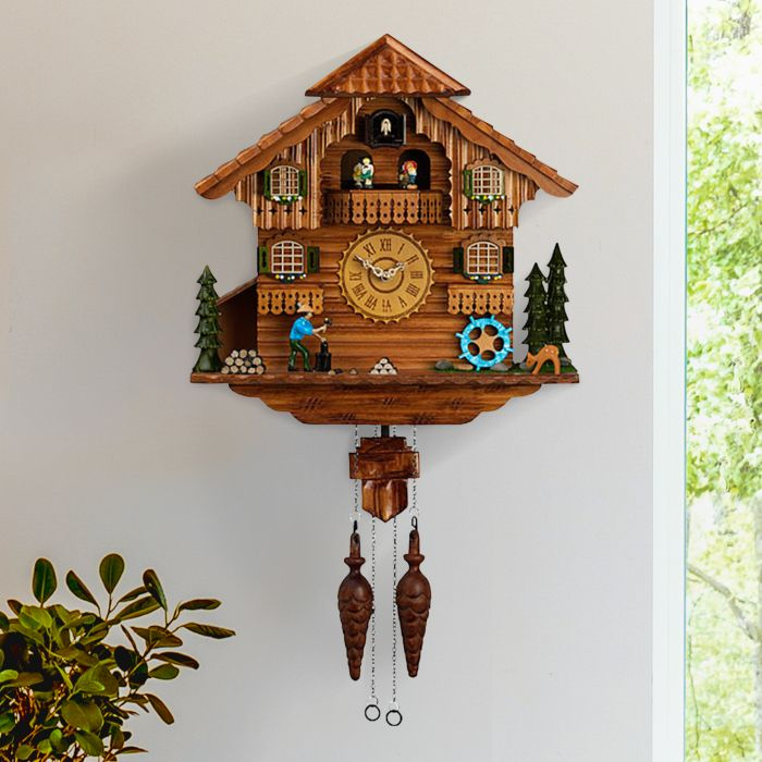 Schwarzwälder Kuckucksuhr aus Holz - handgeschnitzt