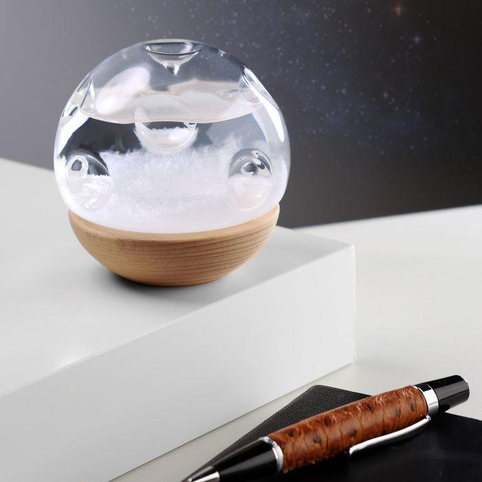 Sturmglas zur Wettervorhersage - Mond