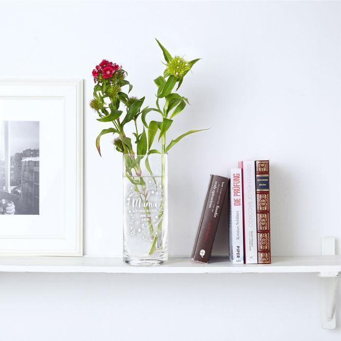 Runde Vase mit Gravur - Blumenherz für Mama