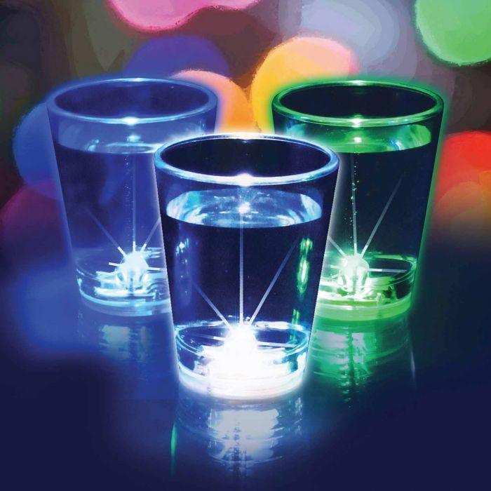 Blinkende Schnapsgläser - Trinkspiel mit leuchtenden Gläsern