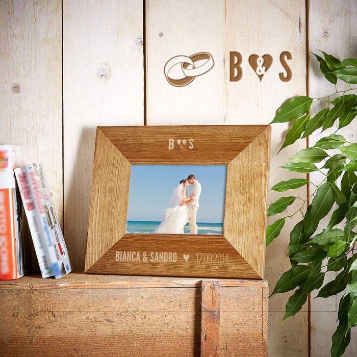 personalisierter bilderrahmen zur hochzeit mit namen datum. Black Bedroom Furniture Sets. Home Design Ideas