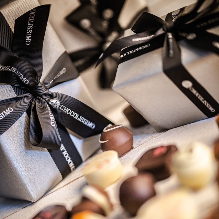 Pralinen in Ballotin-Geschenkverpackung