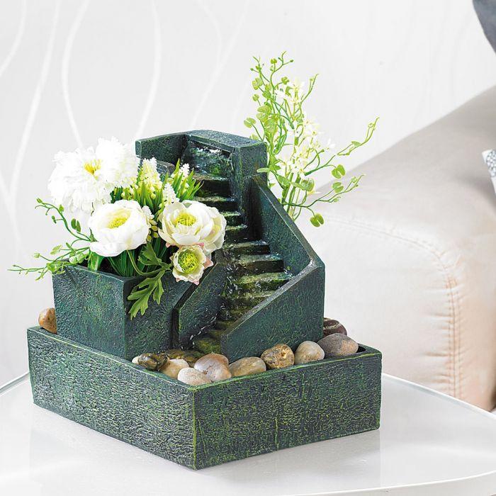 Fontaine d'intérieur à cultiver – avec marches en pierre