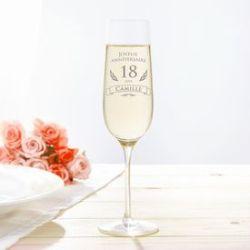 Flûte à champagne pour l'anniversaire