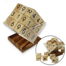 Cube sudoku en bois avec socle