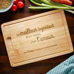 Planche à découper avec gravure - Maman cuisine avec amour