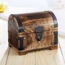 Coffre au trésor en bois foncé - cadeau mariage - colombes