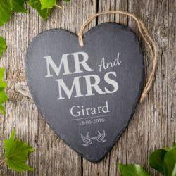 Cœur en ardoise avec gravure tourtereaux – Mr and Mrs