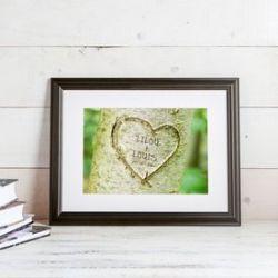 Tableau cœur dans l'arbre sur fond printanier – personnalisé