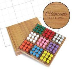 Sudoku de couleurs dans noble boîte en bois