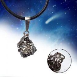 Pendentif météorite ferreuse - véritable bijou des étoiles