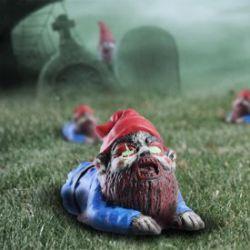 Zombie Gartenzwerg - kriechend
