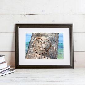 Herz im Baum - gerahmtes Bild