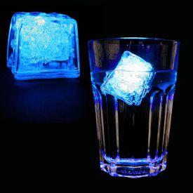 Leuchtender LED Eisw�rfel