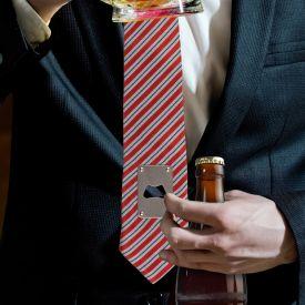 Krawatte mit Flaschenffner