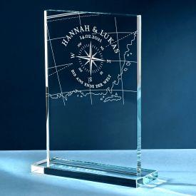 Personalisierter Glaspokal zur Hochzeit - Liebeskompass