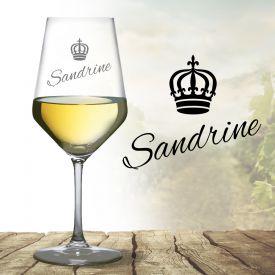 Verre  vin blanc avec gravure  couronne de reine